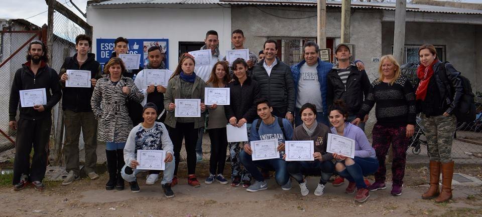 Trezza apuesta a la formación gratuita en oficios en los barrios de Lomas de Zamora