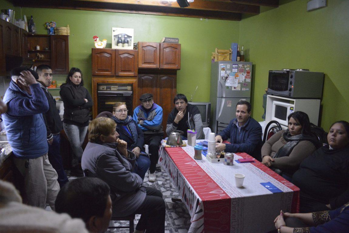 Trezza llevó el sistema Alerta Buenos Aires al barrio Provincias Unidas