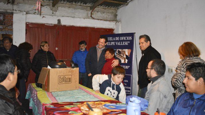 Trezza inauguró una capacitación en oficios en Villa Lamadrid